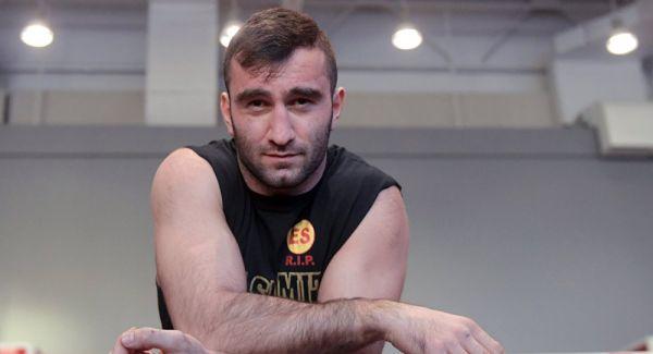 Мурат Гассієв готується до бою з Кшиштофом Влодарчиком (ВІДЕО)
