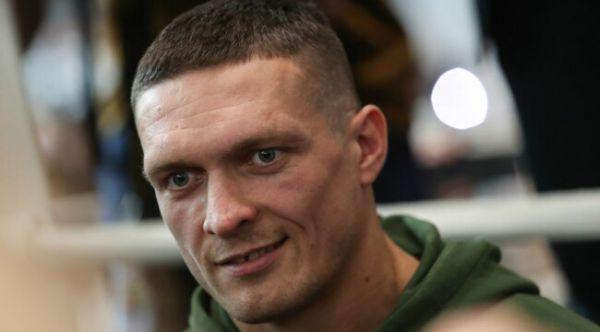 Український суперважковаговик Олександр Усик запро...