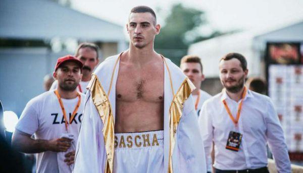 Олександр Захожий спарингує з капітаном збірної України з баскетболу (ВІДЕО)