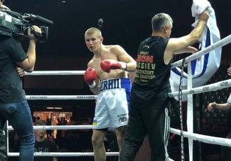 Українець оформив нокаут в андеркарді бою Усик - Гассієв