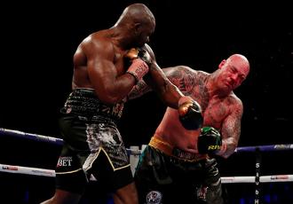 Вайт жорстоко нокаутував Брауна на екваторі бою