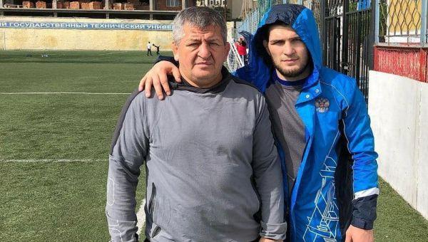 Батько Нурмагомедова про бій з Флойдом: Нам треба Ломаченка-старшого на півроку
