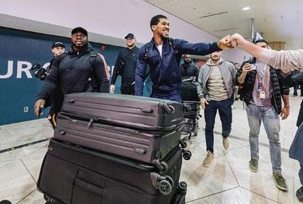 Джошуа прилетів у Саудівську Аравію (ВІДЕО)