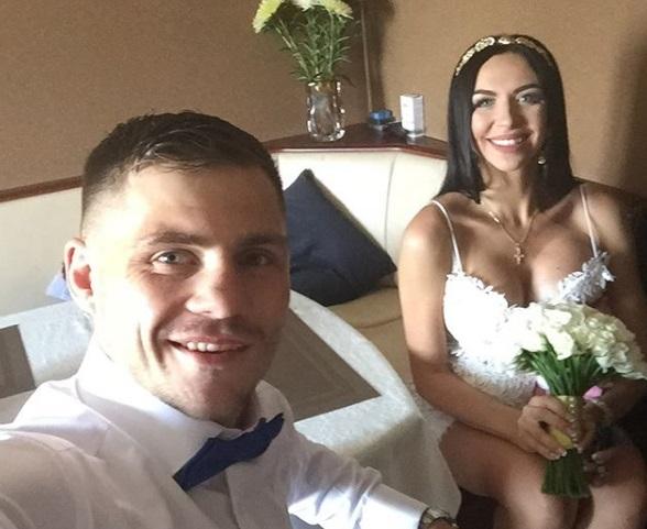 Берінчик привітав дружину з річницею весілля (ФОТО)