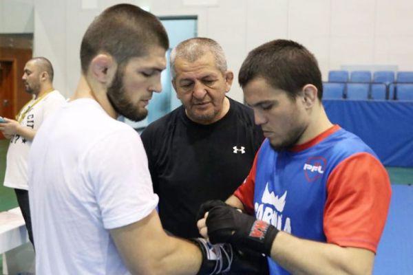 Брат Нурмадомедова знявся зі свого дебютного бою в UFC через смерть Абдулманапа