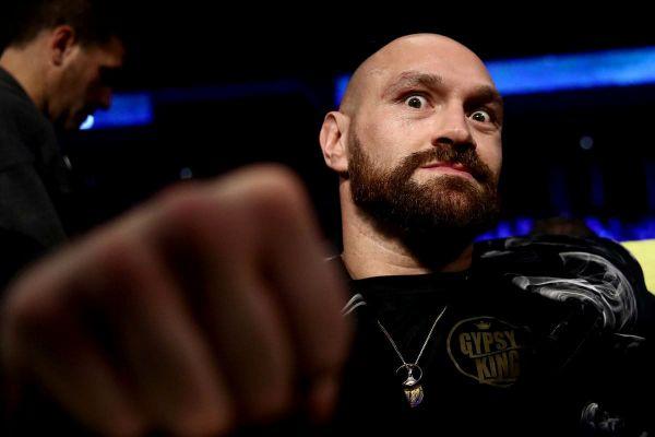 Чемпіон WBC в суперважкій вазі Тайсон Фьюрі (30-0-...