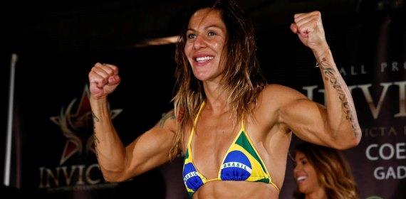 Джустіно перемогла Бленкоу на Bellator 249
