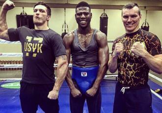 Усик взяв у свій табір боксерів з Британії та Польщі (ФОТО)