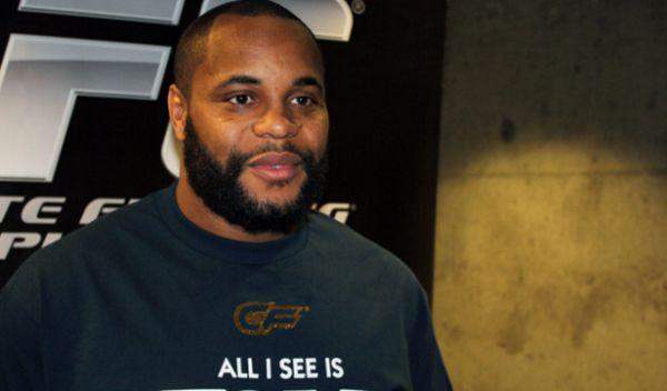 Кромьє: Хабіб сказав мені, що UFC хоче виставити його проти Тоні Фергюсона 30 грудня