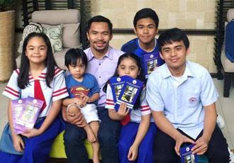 Кадр Дня: Менні Пакьяо з дітьми
