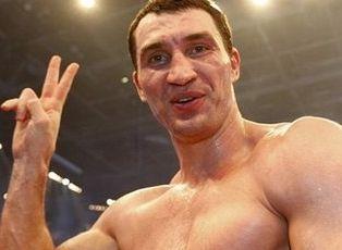 Рівно 16 років тому Володимир Клично вперше побував у нокдауні. Але бій виграв (ВІДЕО)