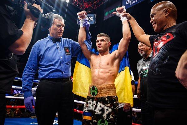 Дерев'янченко ділиться атмосферою зі свого тренувального залу (ВІДЕО)