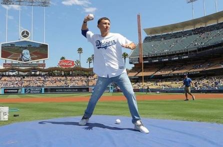 Геннадій Головкін відкрив гру бейсбольної команди в США (ФОТО)