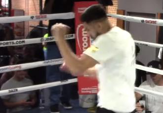 Рамірес боксує з тінню на публіку (ВІДЕО)