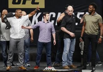 Офіційно. Бій Кормьє - Джонс очолить UFC 214