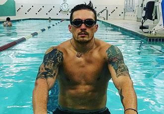Кадр Дня: Усик тренується в басейні