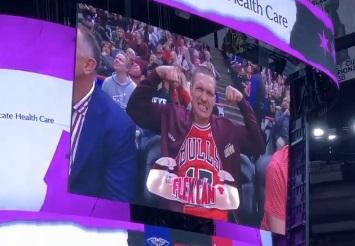 Олександр Усик на матчі Chicago Bulls (ФОТО)