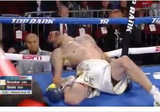 Жахаюче падіння боксера в нокаут (ВІДЕО)