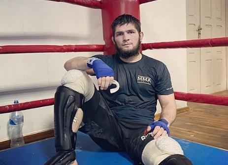 Нурмагомедов тренується в Дагестані (ФОТО)