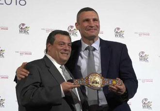 Президент WBC нахвалює українських боксерів
