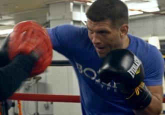 Дерев'янченко тренується у рингу (ВІДЕО)