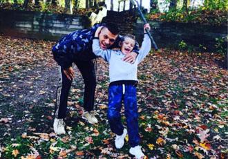 Кадр Дня: Сергій Дерев'янченко відпочиває з сином Матвієм