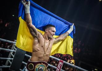 Дебют Усика за українську футбольну збірну серед ветеранів (ВІДЕО)