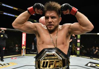 UFC 249. Сехудо переміг Круса нокаутом і завершив кар'єру (+ВІДЕО)