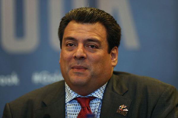 Президент WBC знову став на бік Канело