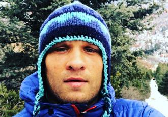 Дерев'янченко бігає по полю для американського футболу (ВІДЕО)