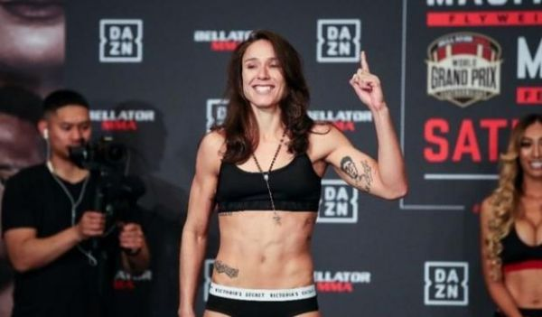 Джуліана Веласкес залишається в Bellator