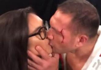 Пулєва покарали за поцілунок журналістки