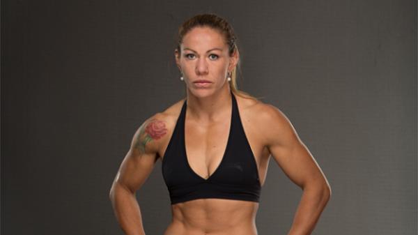 Джустіно підписала нову угоду з UFC