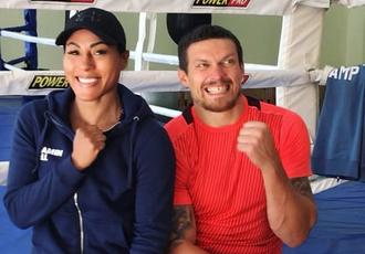 Кадр Дня: Олександр Усик із легендою жіночого боксу