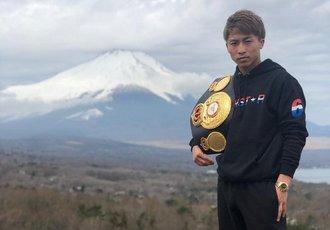 Тренер Іннуе пояснив, чому японець кращий за Кроуфорда і Ломаченка