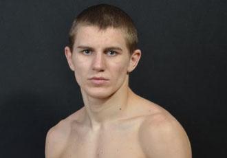 Сергій Богачук здобув третю дострокову перемогу, нокаутувавши Педросо (ВІДЕО)
