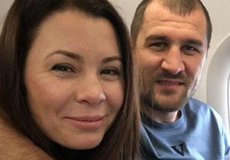 Кадр Дня: Ковальов з дружиною летять в Італію