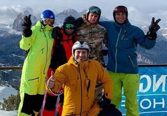 Кадр дня. Брати Клички привітали усіх з Різдвом з гірськолижного курорту