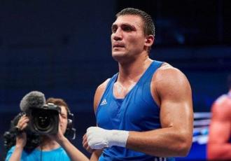 Український боксер допомагає півфіналісту WBSS