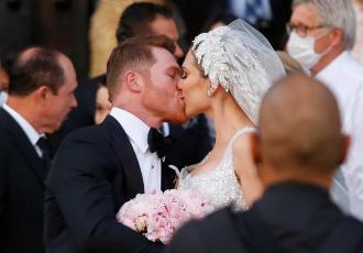 Кадр Дня. Сауль Альварес одружився