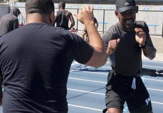 Джейкобс провів відкрите тренування перед боєм з Дерев'янченком (ВІДЕО)