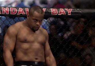 Чемпіон UFC заговорив про завершення кар'єри