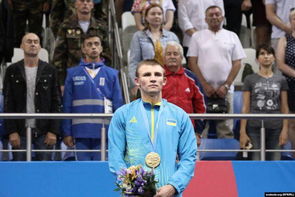 Олександр Хижняк змусив Путіна встати під час виконнання гімну України (ВІДЕО)