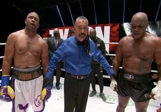 Виставковий бій між легендарними 54-річним Майком ...