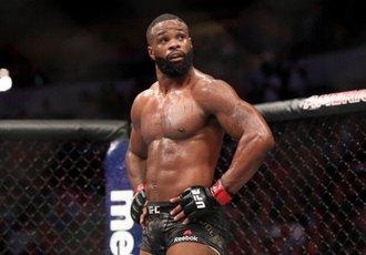 Вудлі готовий виступити на  UFC 249