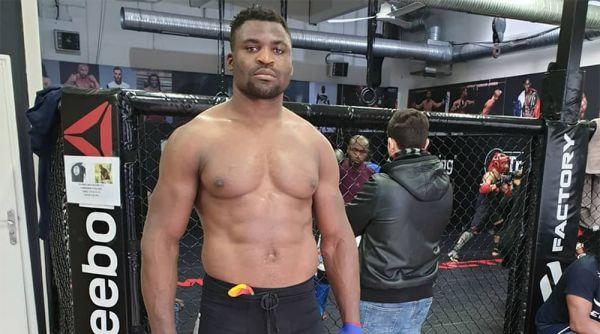 Чемпіон UFC у важкій вазі Френсіс Нганну не вважає...