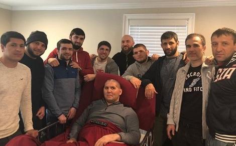 Нурмагомедов з командою відвідав Магомеда Абдусаламова (ФОТО)