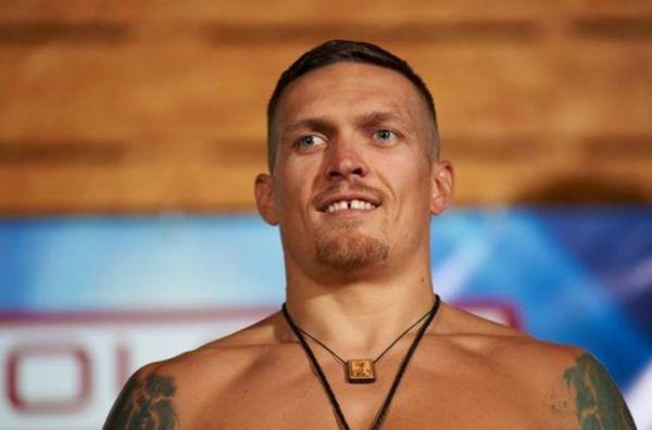 Офіційно: Усик - обов'язковий претендент на титул WBO в суперважкій вазі