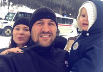 Кадр Дня: Ковальов з дружиною і сином в Колорадо
