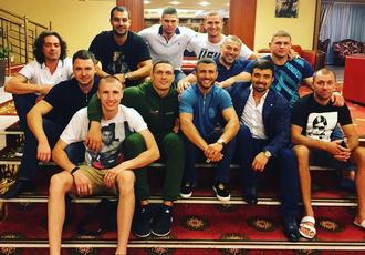 Кадр Дня: Усик зі своєю командою та Ломаченком
